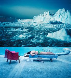 Jean-Louis Sarrans, Gaïa sous la lune, série Le jardin sans maître, 2013, courtesy Galerie Binome édition de 5 (+2EA) - 113x109 cm tirage pigmentaire, encadrement boîte bois blanc